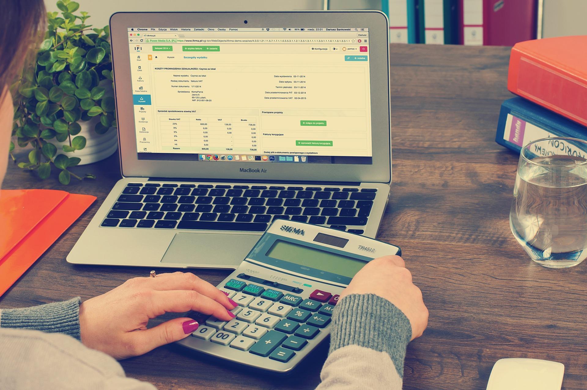 bookkeeping-615384_1920-1